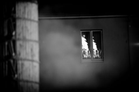 il fuoco delle farchie accese el'intenso odore della fuligine penetra tutto e tutti, la luce delle fiamme illumina il paese